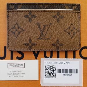 ❤Brand New Louis Vuitton Reverse Card Holder❤